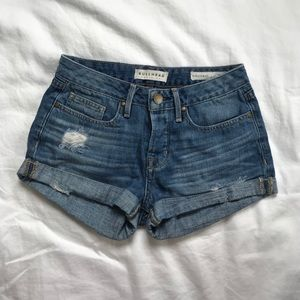 Bullhead Denim Shorts size 25